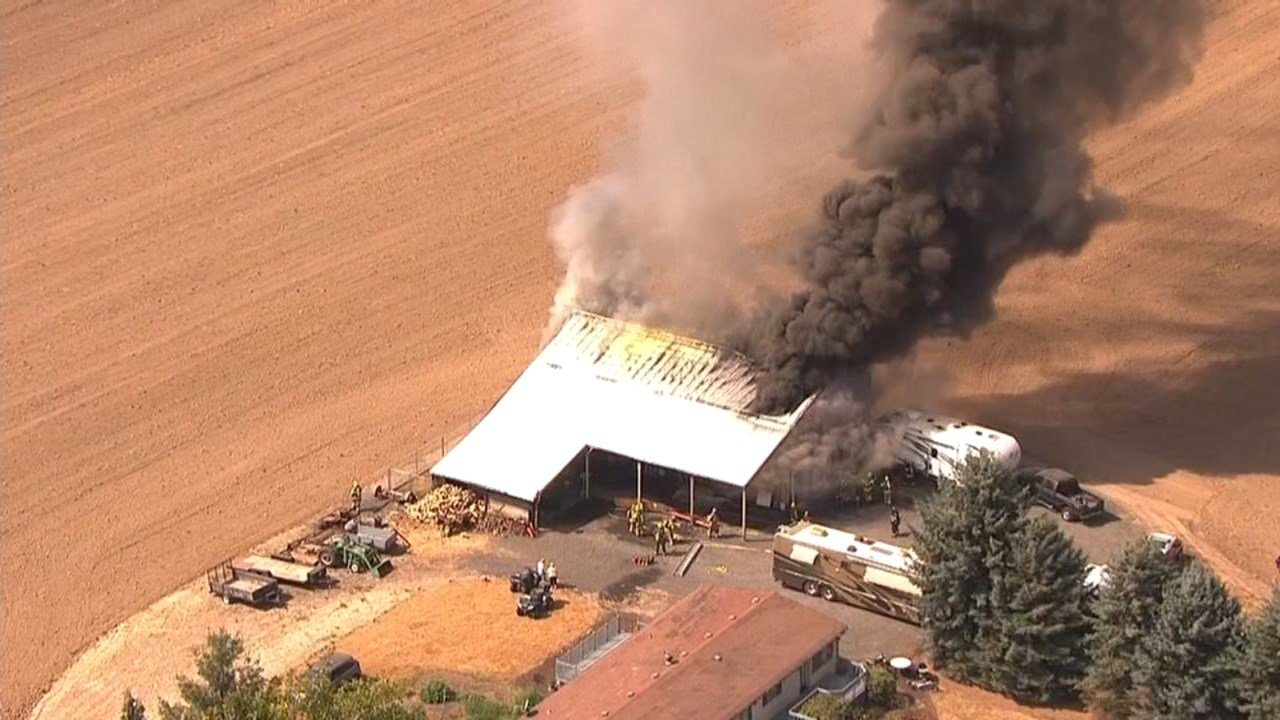 Barn fire near Hillsboro (KPTV)