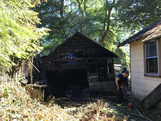 Fire on South River Road (Photo: Kelso Police Department)