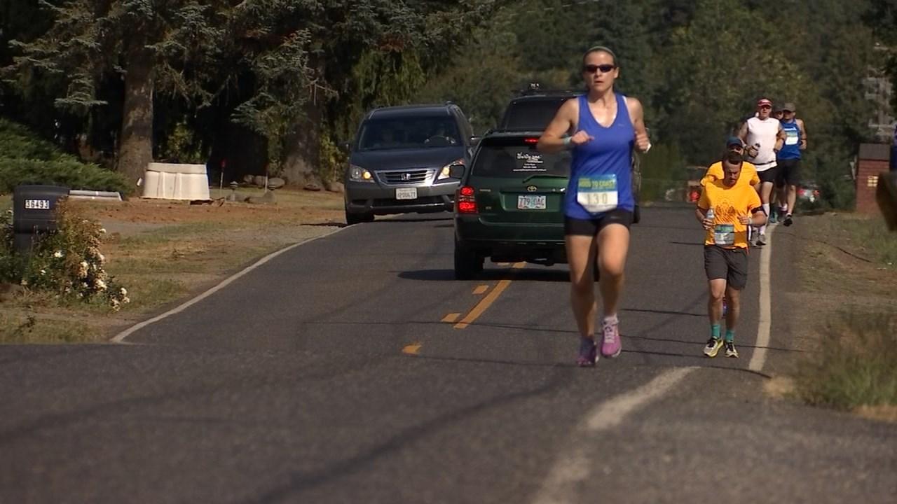 Runner's taking part in Hood to Coast relay (KPTV)