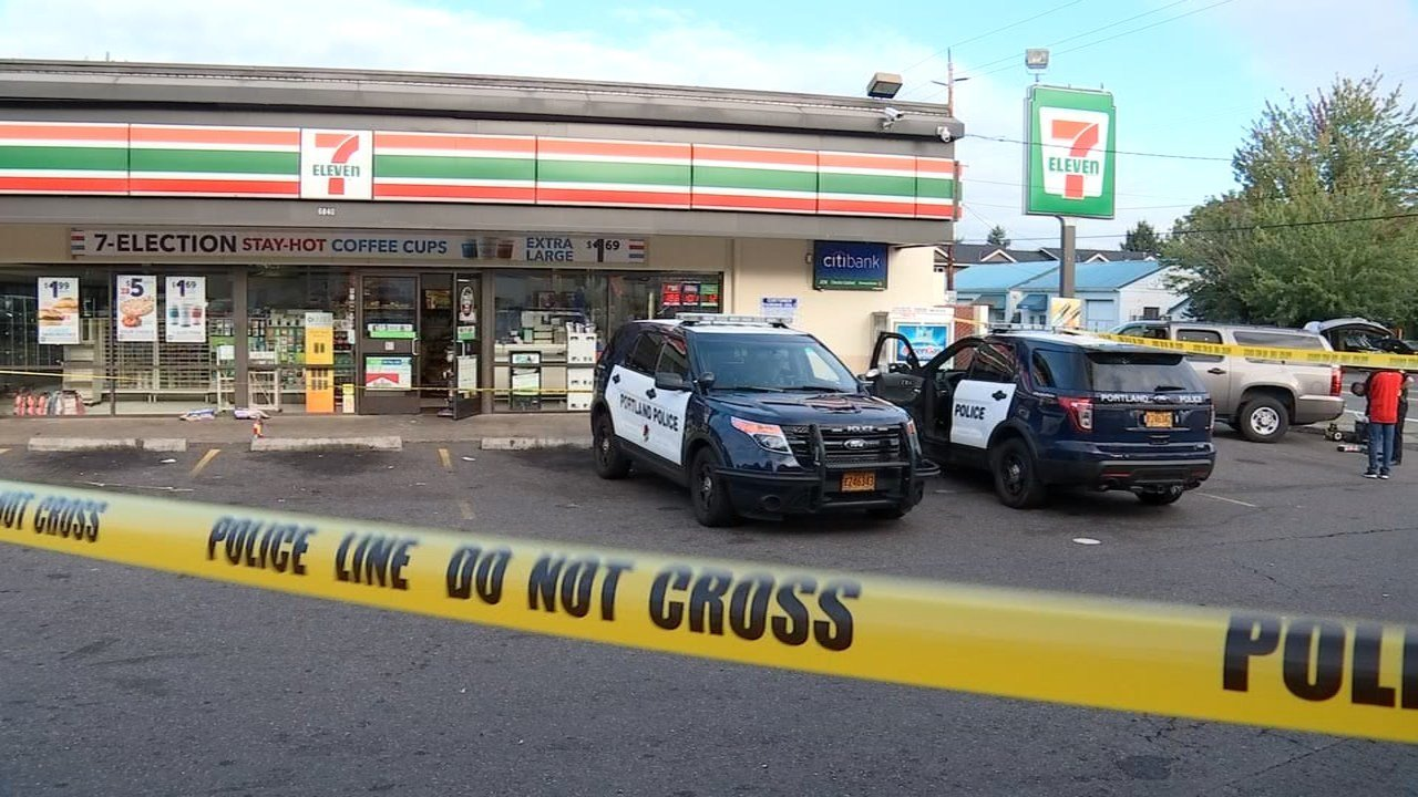 Arson investigation at 7-Eleven store in north Portland. (KPTV)