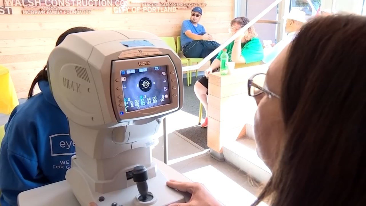 Patients at an eye care clinic in northwest Portland put on by insurance company VSP were able to see doctors and get glasses without any costs. (KPTV)