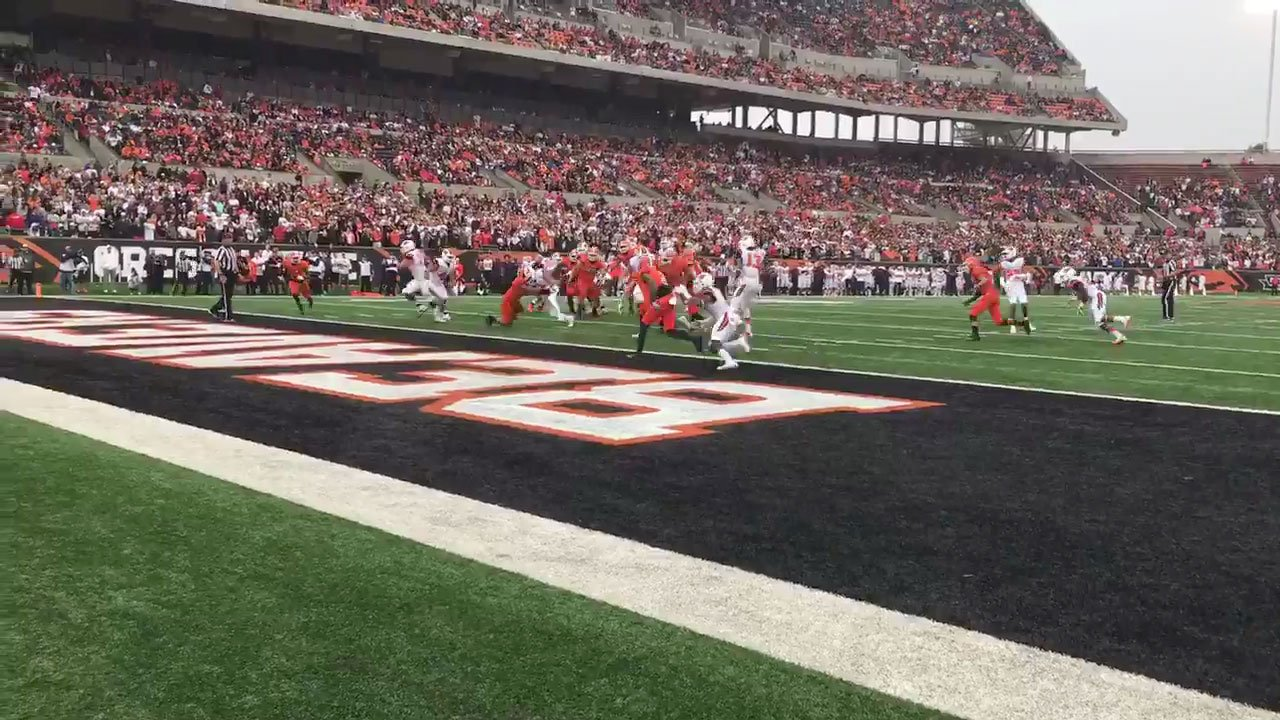OSU QB Darell Garretson scored on a 7-yard keeper to put the Beavers up 10-0 over Idaho State on the way to a 37-7 victory. (Nick Krupke/KPTV)