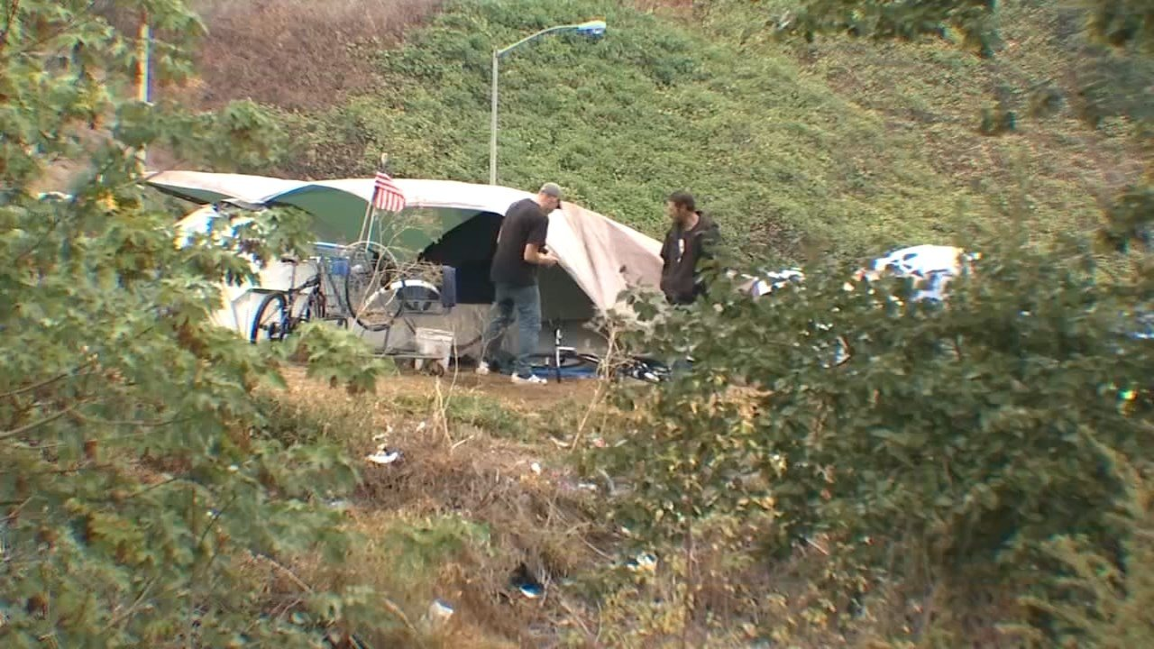 Homeless campers at Dirt Lab at Gateway Green site. (KPTV)