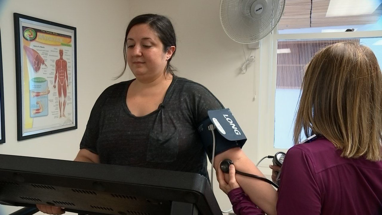 Despite her only being 35, doctors found that pain Liz Hanna was suffering was caused by an artery that was 95 percent blocked. (KPTV)