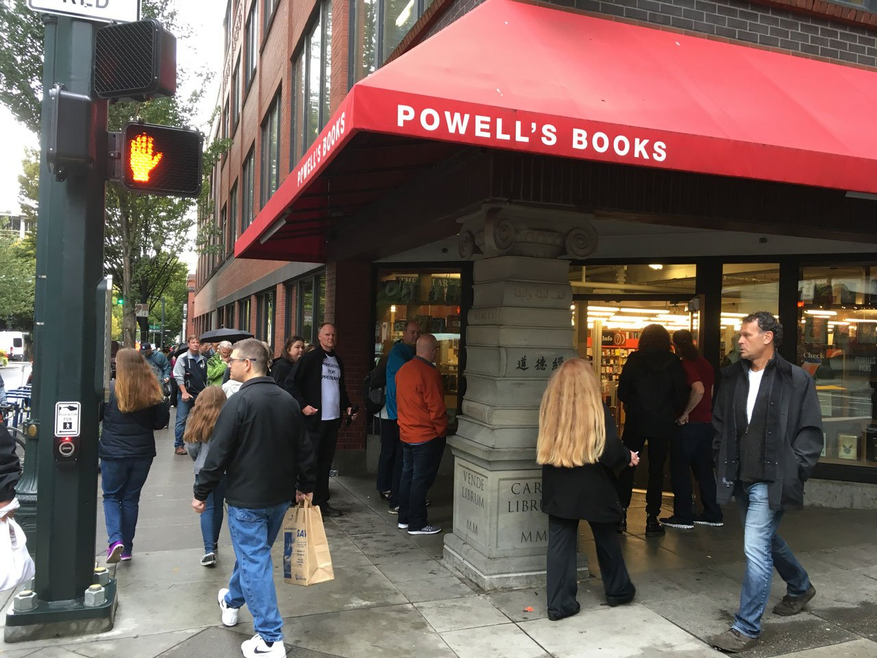Fans lined up outside Powell's City of Books in downtown Portland to meet Bruce Springsteen and pick up a signed copy of his new autobiography. (KPTV)