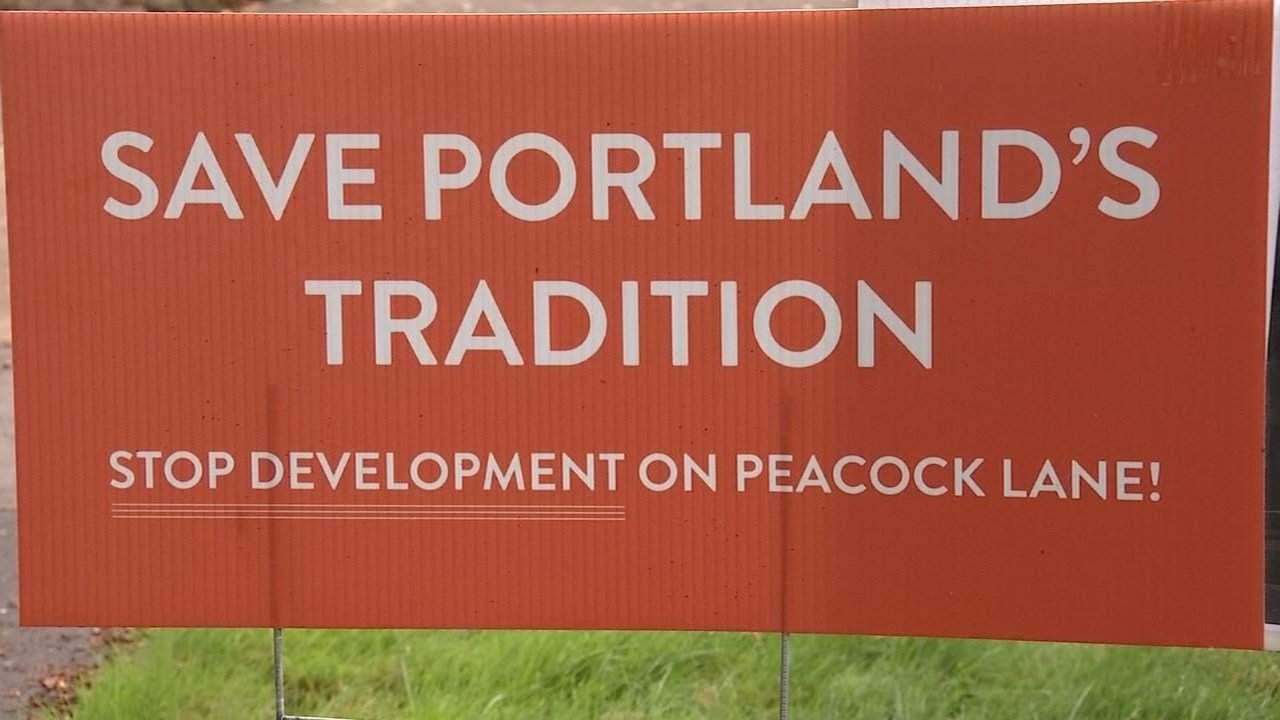 Residents living on Peacock Lane in Portland are trying to get a historical designation for the neighborhood, known for its holiday displays, to prevent further development. (KPTV)