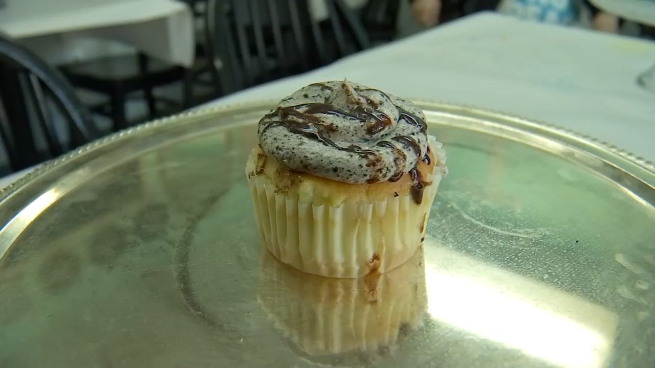 The cupcake that was named Mr. President, but has now been changed to The Professional. (KPTV)