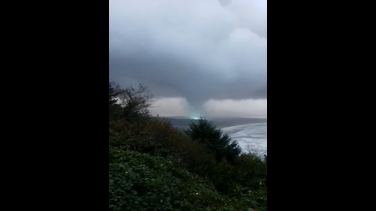Tornado hitting Manzanita (Image courtesy: Tyler Ryals)