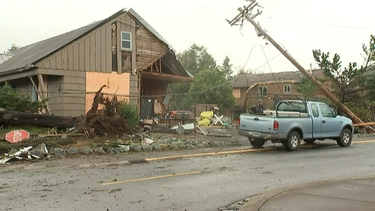 Damage from tornado in Manzanita. (Image: KPTV)