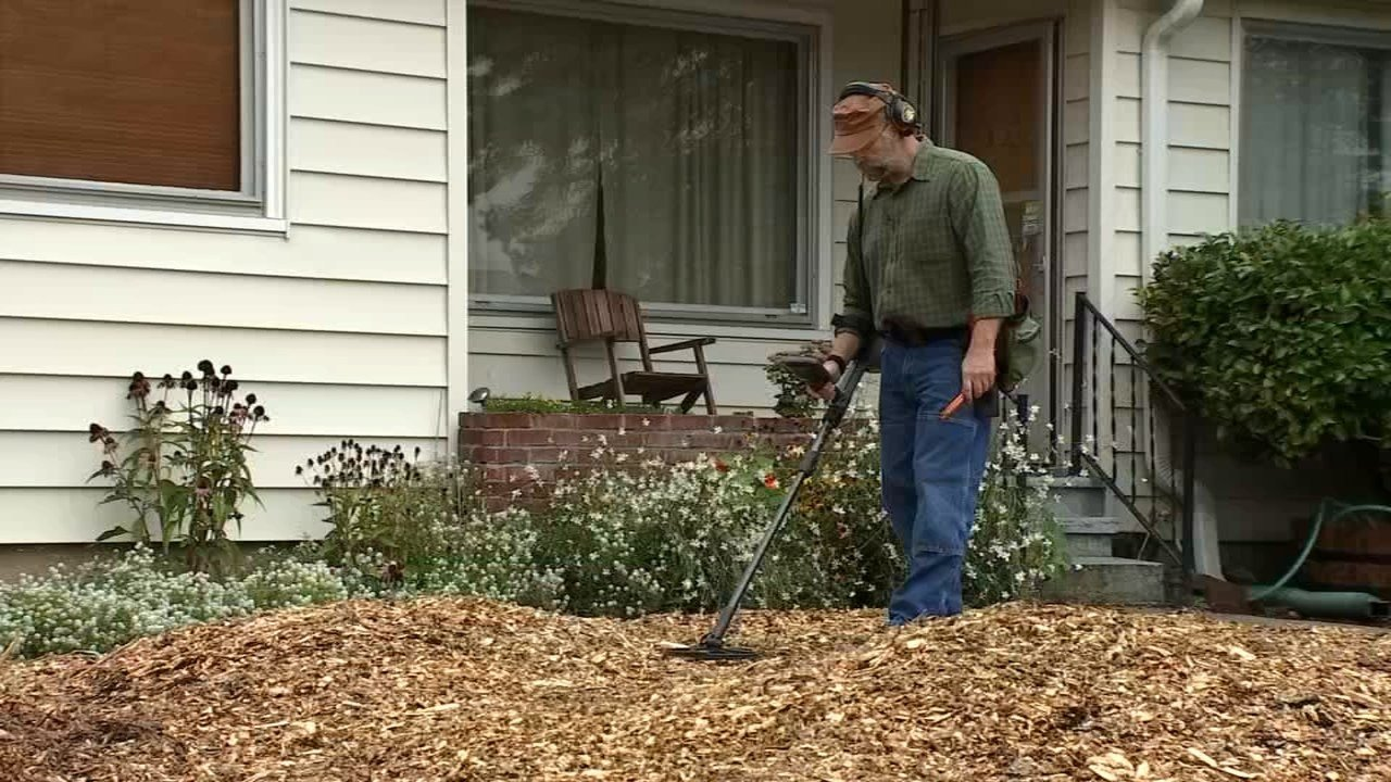 Retired military vet Del Witters armed with a metal detector and dogged determination, has been helping people find their lost treasures since joining The Ring Finders in 2014. (KPTV)