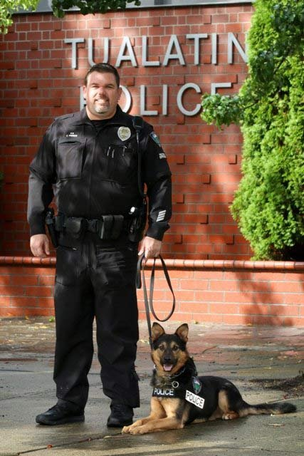 Officer Eric French and K-9 Tony. (Photo: Tualatin Police Department)