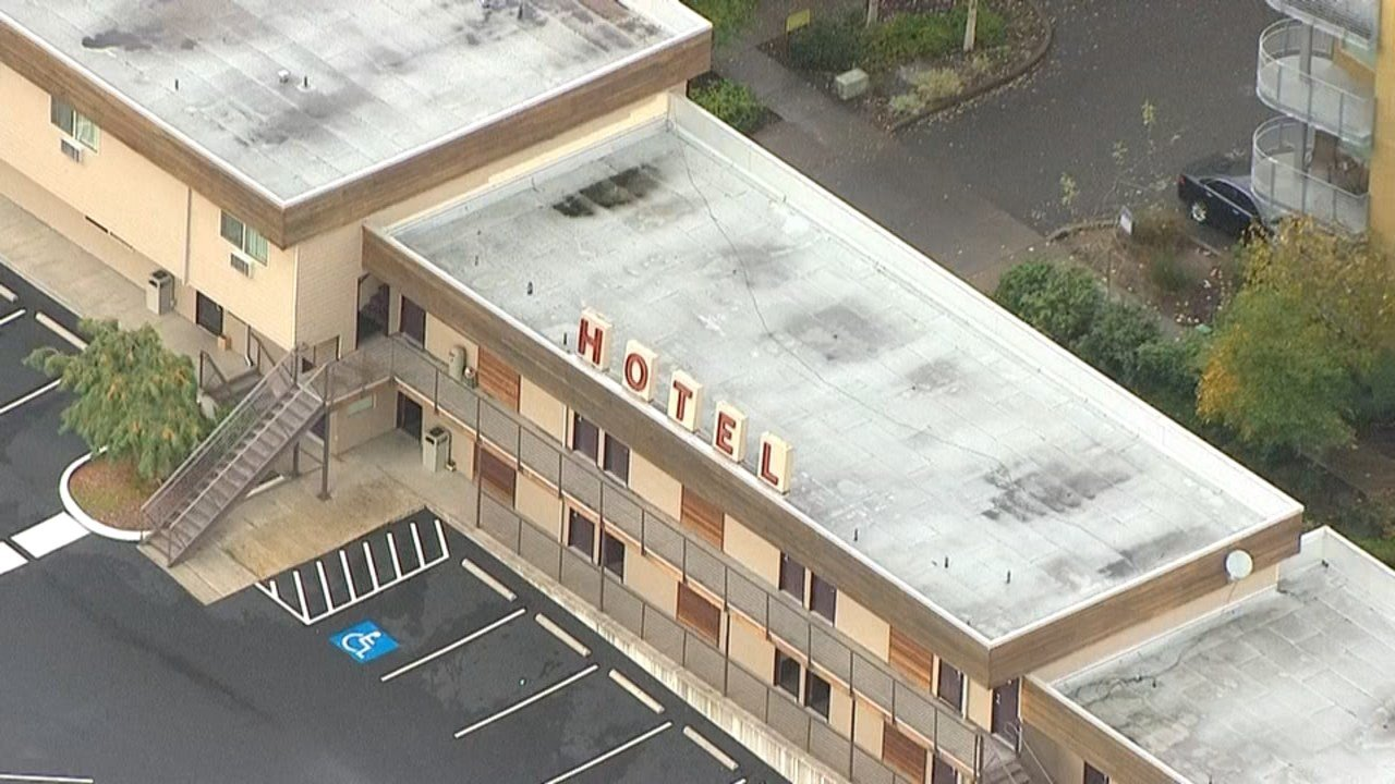 The Aladdin Inn motel was robbed in southwest Portland, leading to a chase and gunfire. (KPTV/Air 12)