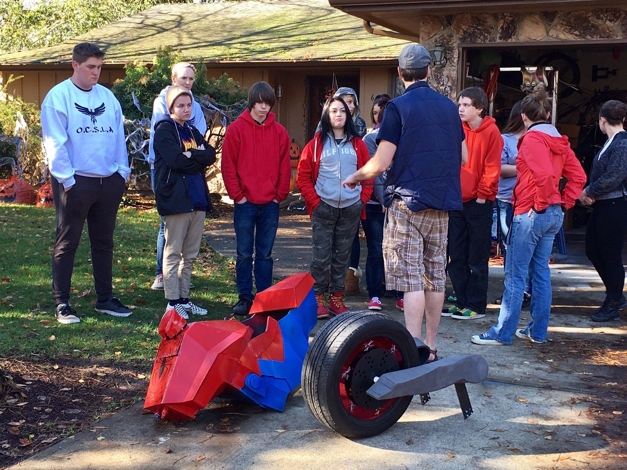OCSLA students meeting with Magic Wheelchair founder Ryan Weimer. (KPTV)