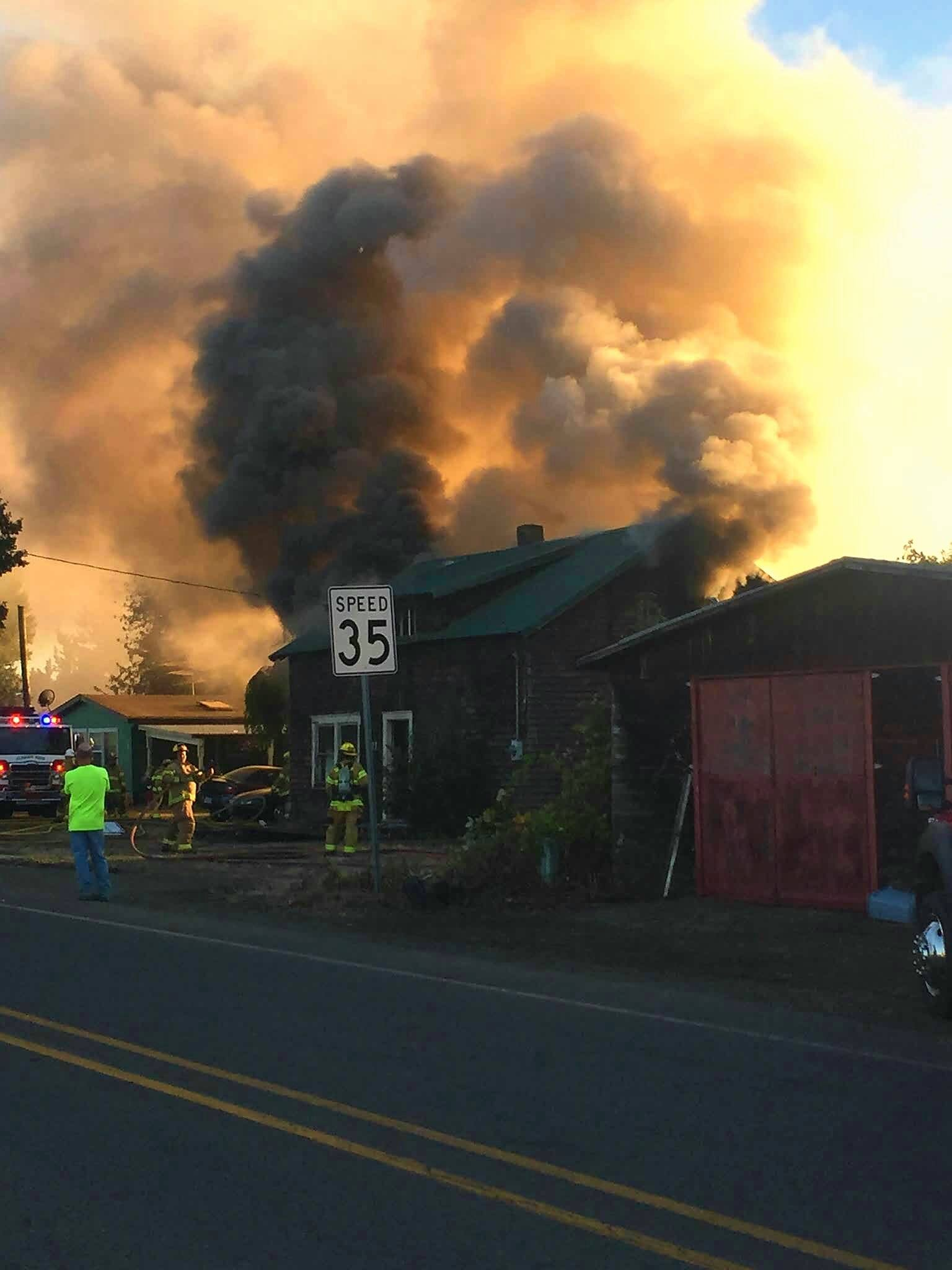 Fire in the town of Crabtree in Linn County on Sept. 12. (Photo: Linn County Sheriff's Office)