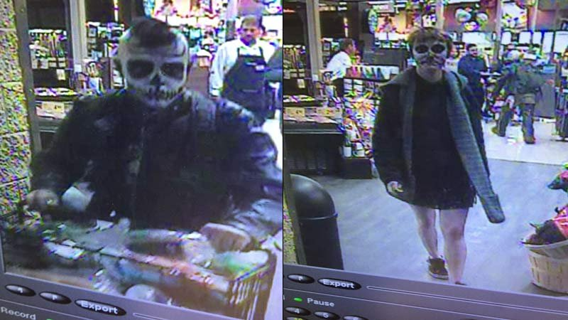 Surveillance images of Safeway theft suspects. (Vancouver Police Department)