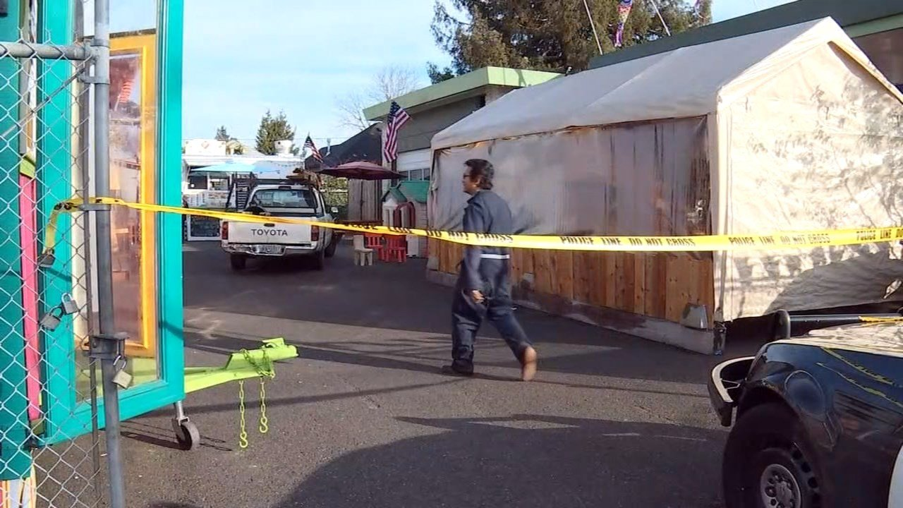 Burglary investigation at Piedmont Station Food Carts in northeast Portland. (KPTV)