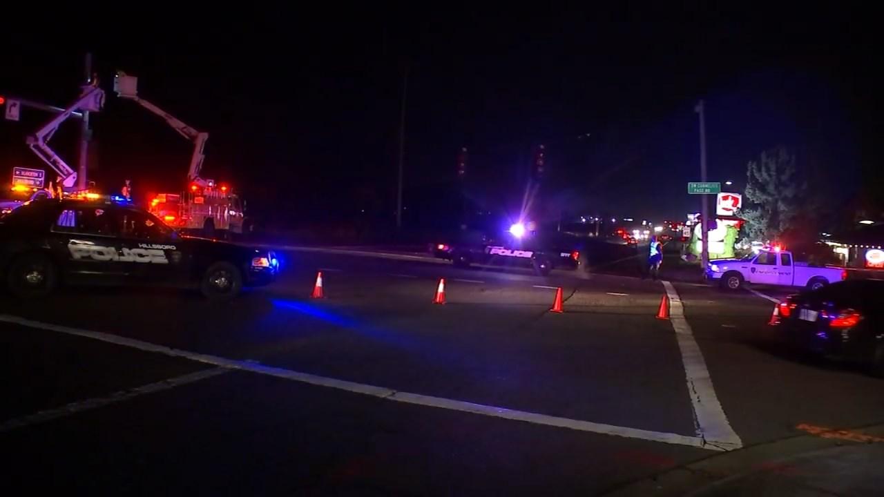 Traffic signal out after Friday night crash (KPTV)