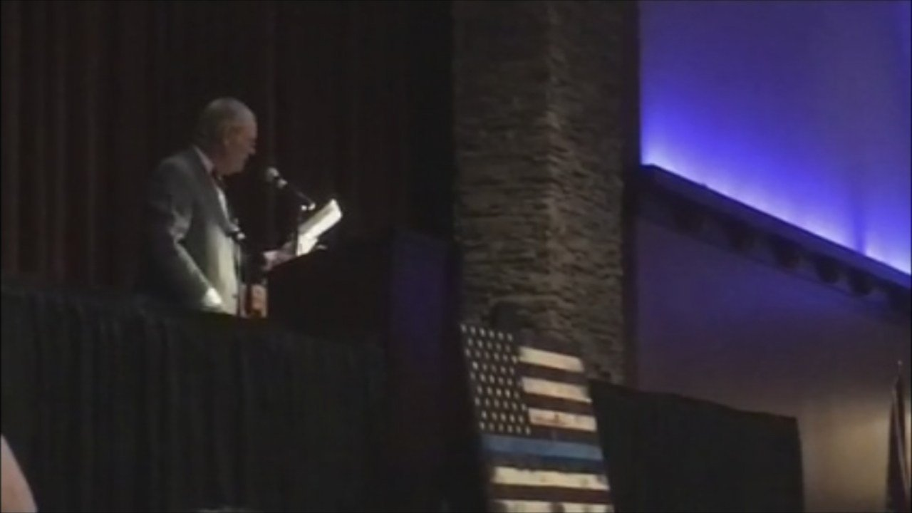 The Oregon Peace Officers Association awarded the Purple Heart to Sgt. Goodding Friday night (KPTV)