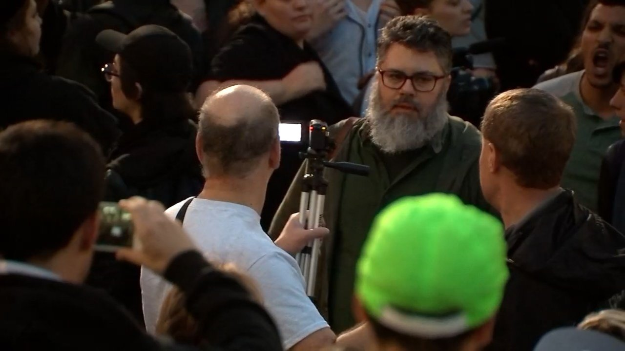 Confrontation between Callahan, his friend Leo and anti-Trump supporters. (KPTV)