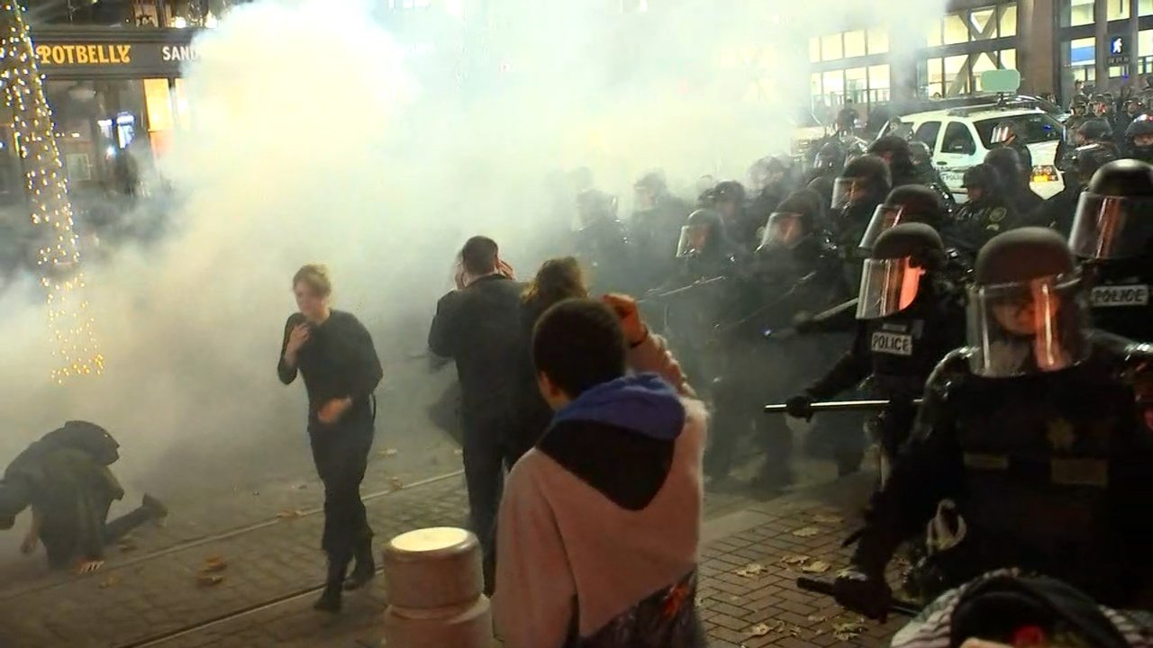 Image from Thursday night's riot in Portland. (KPTV)