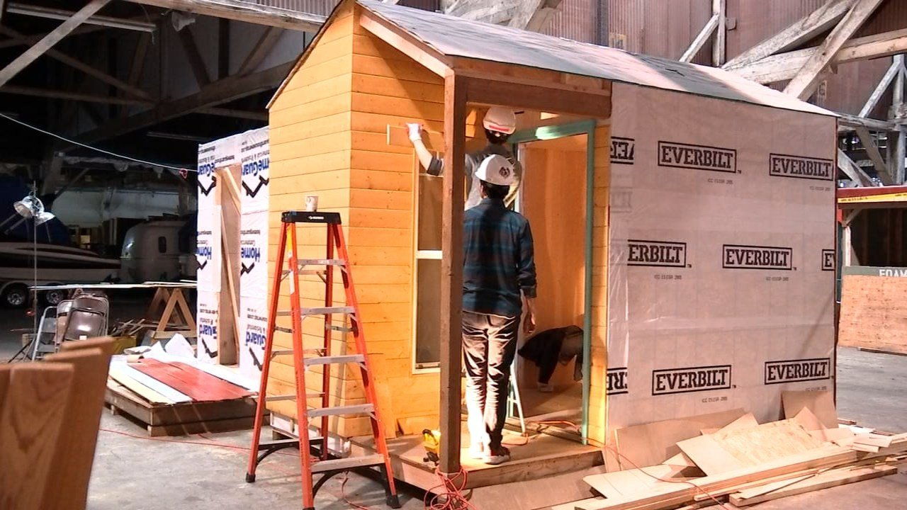 Professional designers are working with Portland State students to develop small, house-like sleeping pods that could be shelters for the city's homeless population. (KPTV)