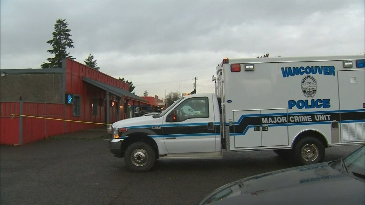 Shooting scene at Quarter Deck Bar on Dec. 1. (KPTV)