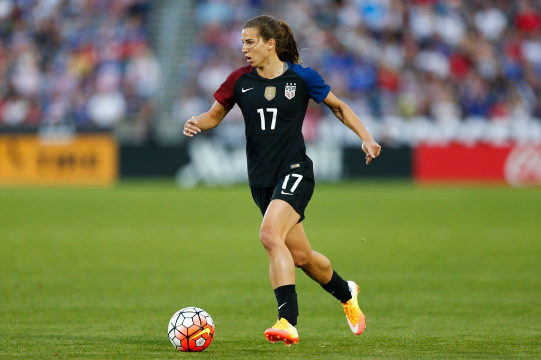 U.S. midfielder Tobin Heath plays during an international friendly soccer match between Japan and the U.S. Thursday, June 2, 2016, in Commerce City, Colo. The match ended in a 3-3 tie. (AP Photo/Jack Dempsey)