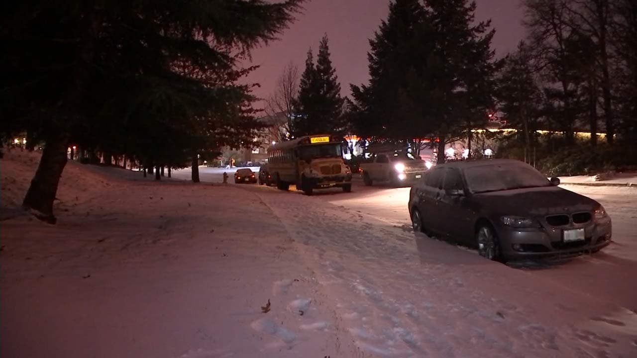 Bus stuck in Wednesday's snowstorm. (Image: KPTV)