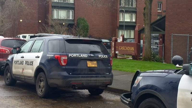 Police at scene of shooting at Cascadian Terrace Apartments in north Portland. (Photo: KPTV)