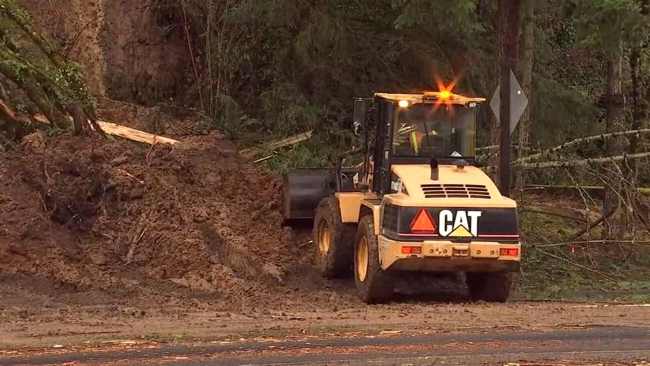 Highway 30 landslide (KPTV)