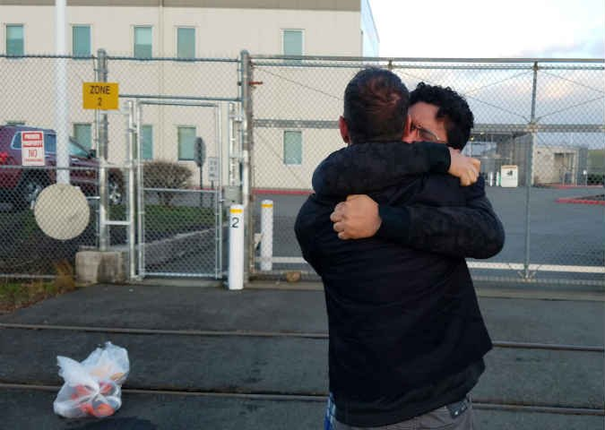 Luis Garcia and his partner Sean Sexton reunited after almost a month in jail (KPTV)