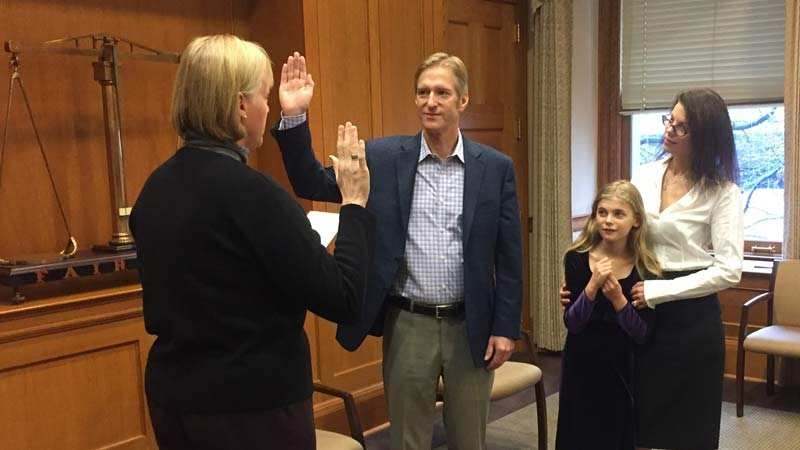 Mayor-elect Ted Wheeler being sworn in Friday. (Photo: Office of Mayor-elect Ted Wheeler)