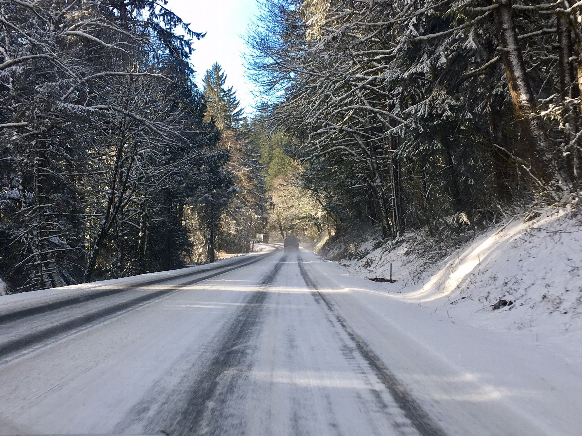 Highway 18 covered in snow Wednesday afternoon. (KPTV)