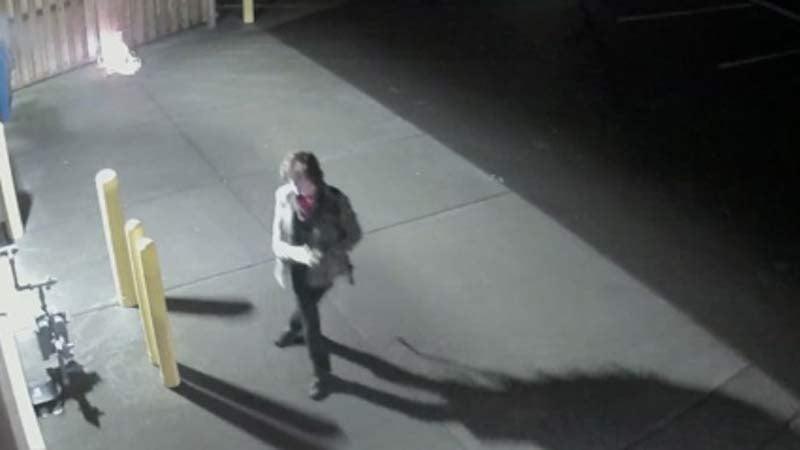 Surveillance image of arson suspect in NE Portland (Image: Portland Police Bureau)