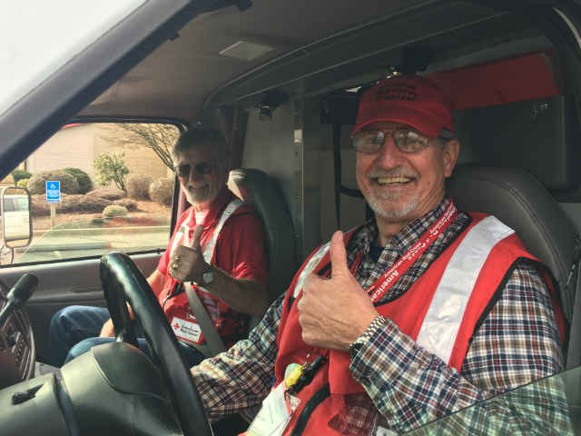 Don Wiese and Mike Williams leaving Eugene. (Photo: American Red Cross)