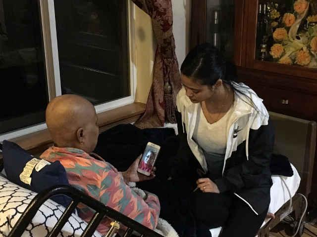 Keshari FaceTiming with her daughter Sunita. (Photo: KPTV/Amber Diaz)