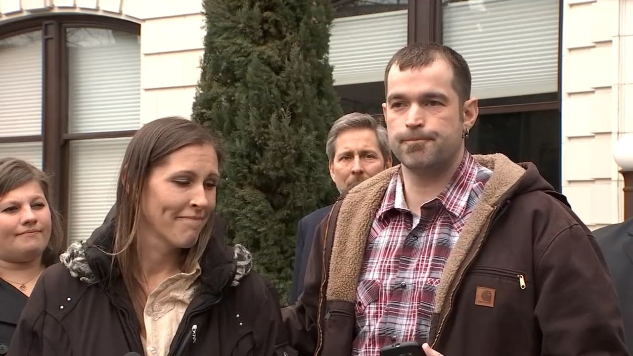 Aaron and Melissa Klein outside court Thursday afternoon. (KPTV)