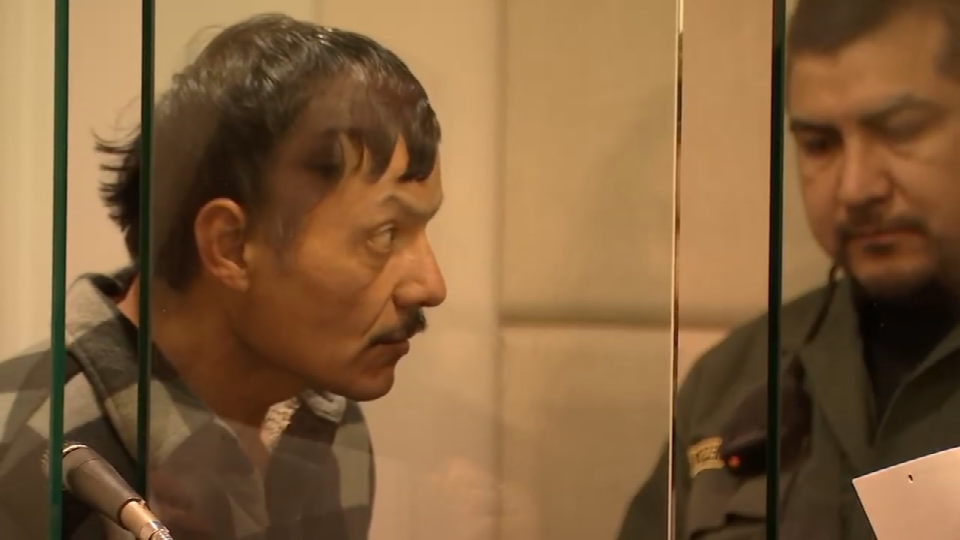Carlos Ruelas faced a judge Thursday, one day after police say he carjacked the driver of a pickup and led officers on a pursuit on Highway 26. (KPTV)