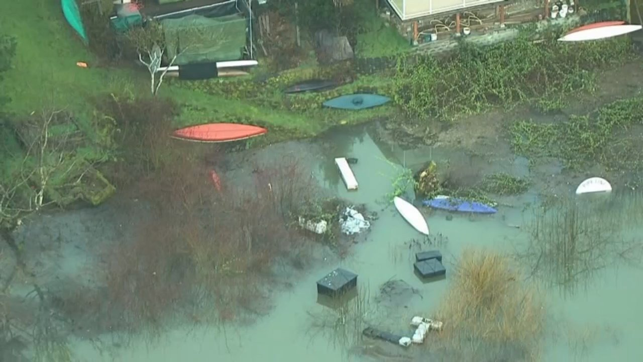 AIR 12 over the Willamette River in Southwest Portland. (KPTV)