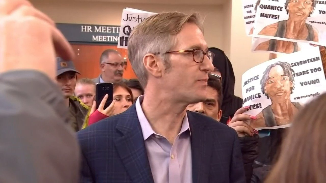 Protesters confronting Mayor Ted Wheeler after shooting death of Quanince Hayes (KPTV file image)