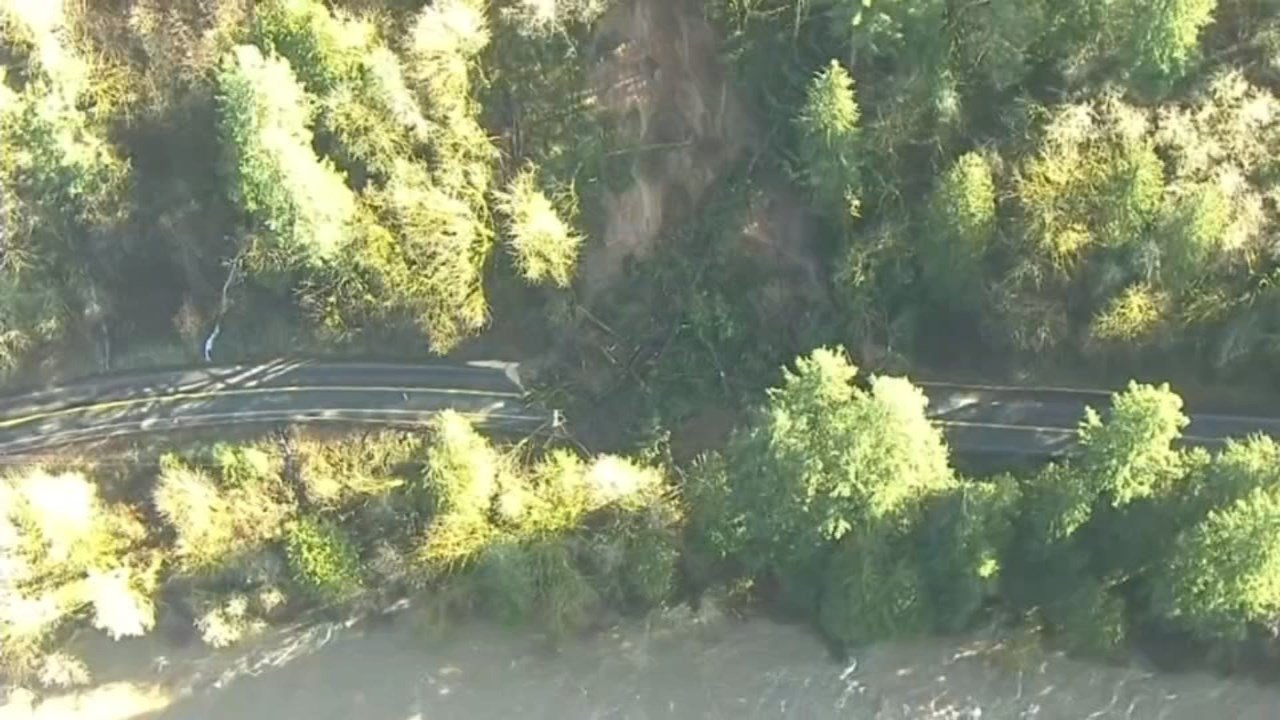 Kalama River Road landslide (KPTV/Air 12)