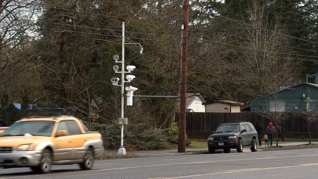 Speed safety cameras at Southeast 122nd and Division. (KPTV)
