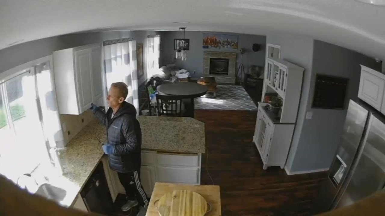 Surveillance image of a real estate agent and burglary suspect in a Vancouver home. (Courtesy: Travis Clarke)