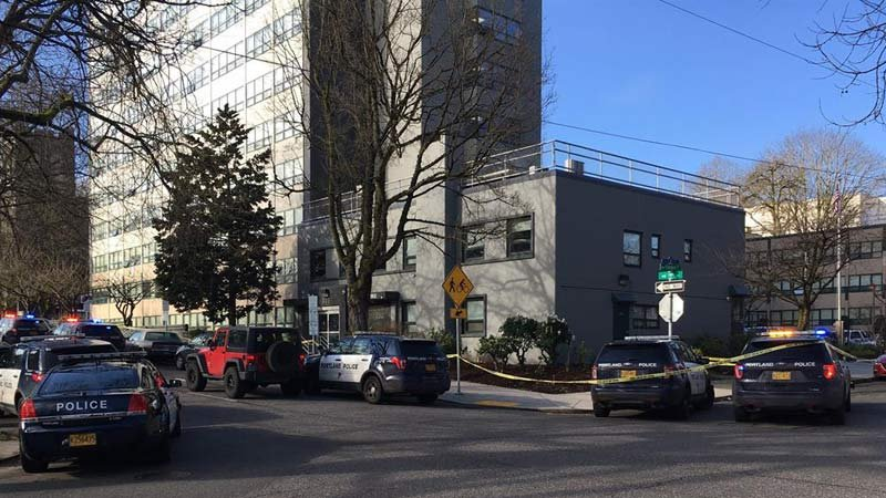 Shooting scene at Northwest Tower Apartments on March 19 (KPTV)