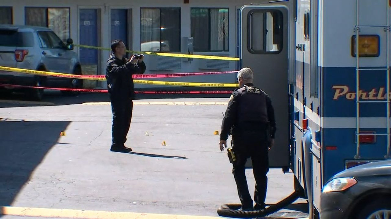 Death investigation at Motel 6 on Southeast Powell Boulevard. (KPTV)