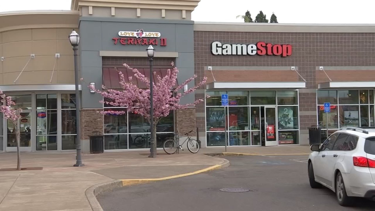 The GameStop location in Keizer where a deputy and two citizens helped save a life. (KPTV)