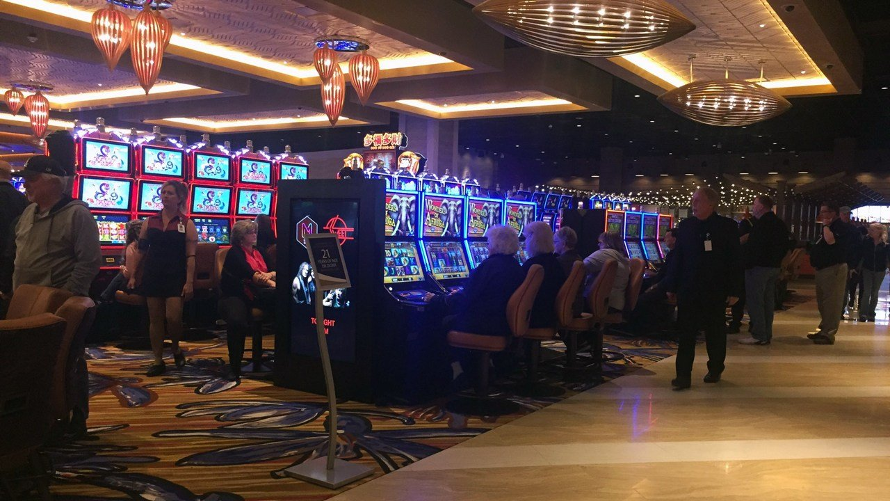 The new Ilani casino near La Center features 2,500 slots and 75 gaming tables, along with several restaurants, bars and event spaces, in the nearly 370,000 square feet facility. (KPTV)