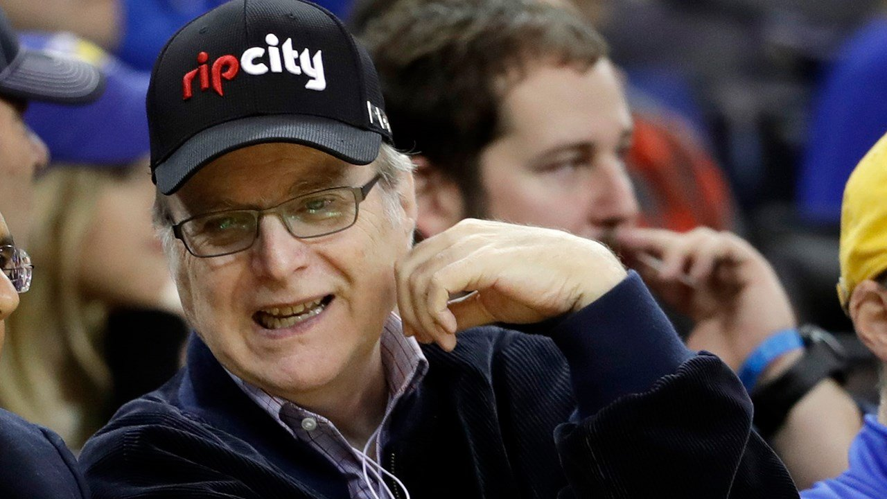 Portland Trail Blazers owner Paul Allen during the second half of an NBA basketball game against the Golden State Warriors Wednesday, Jan. 4, 2017, in Oakland, Calif. (AP Photo/Marcio Jose Sanchez)
