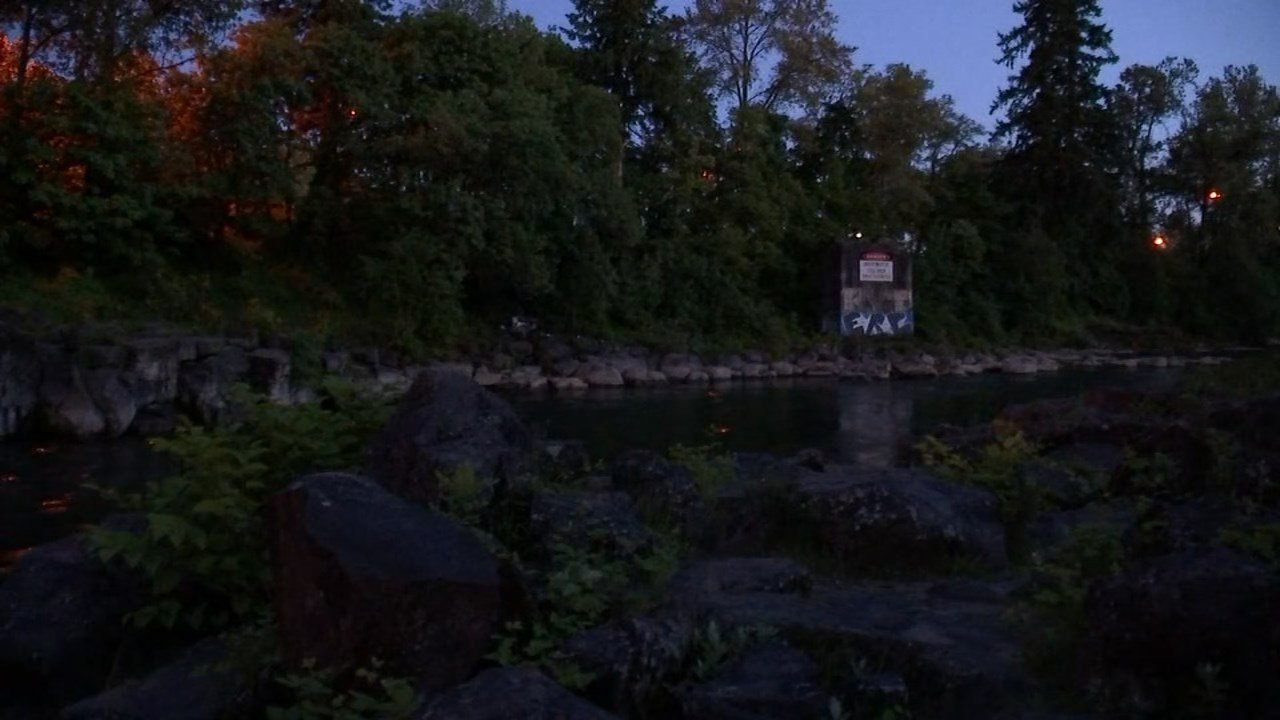 Recovery effort suspended for missing swimmer at High Rocks Park