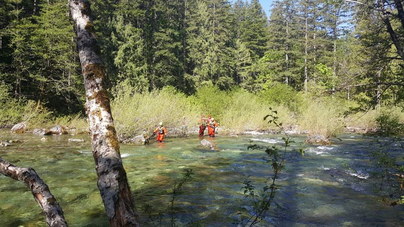 Body recovery operation near the Three Pools recreation area on Thursday. (Photo: Marion County Sheriff's Office)